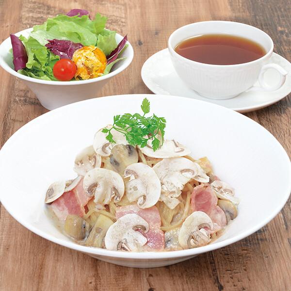 フレッシュマッシュルームのポルチーニマリームスパゲティ(サラダ+ドリンク付)