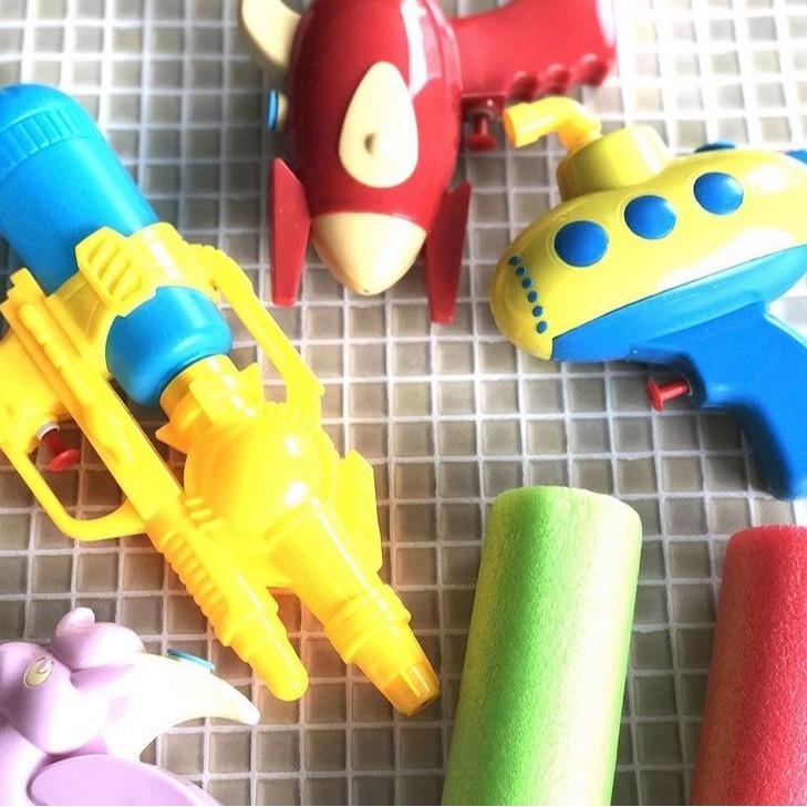 水鉄砲や水風船など水遊びアイテム各種入荷!